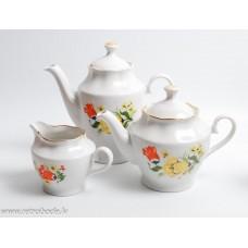 Porcelāna kafijas kanna, tējkanna un krējuma trauks, RPR, Rīgas porcelāns