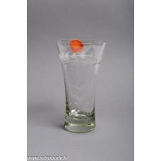 Stikla vāze, roku apstrāde