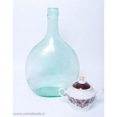 Liela senlaicīga stikla pudele
