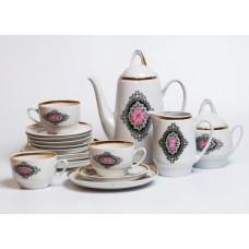 Porcelāna kafijas servīze Aija-1, nepilna, tases, apakštases, kafijas kanna, krējuma trauks, cukurtrauks