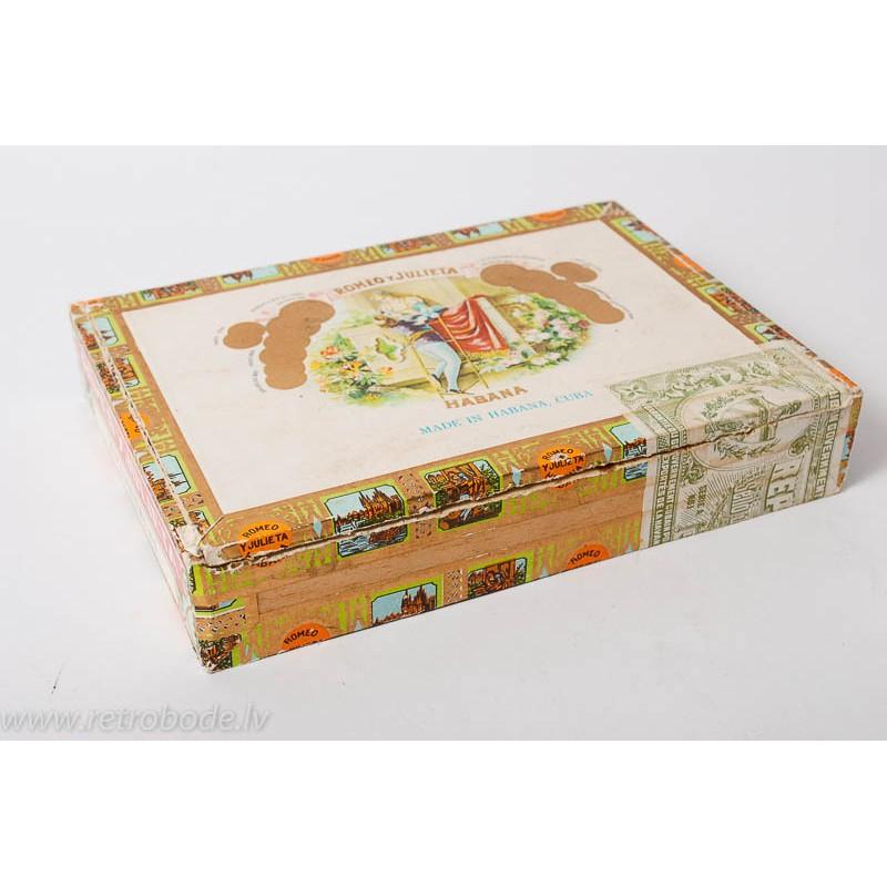 Vintage Wooden Cigar Box Romeo And Julieta Made In Habana Cuba