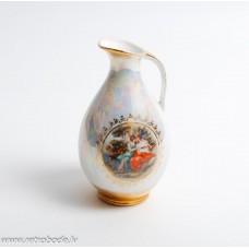 Porcelāna vāze, vāzīte ar rokturi